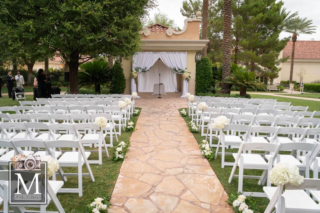 Elegant wedding at Las Vegas JW Marriott