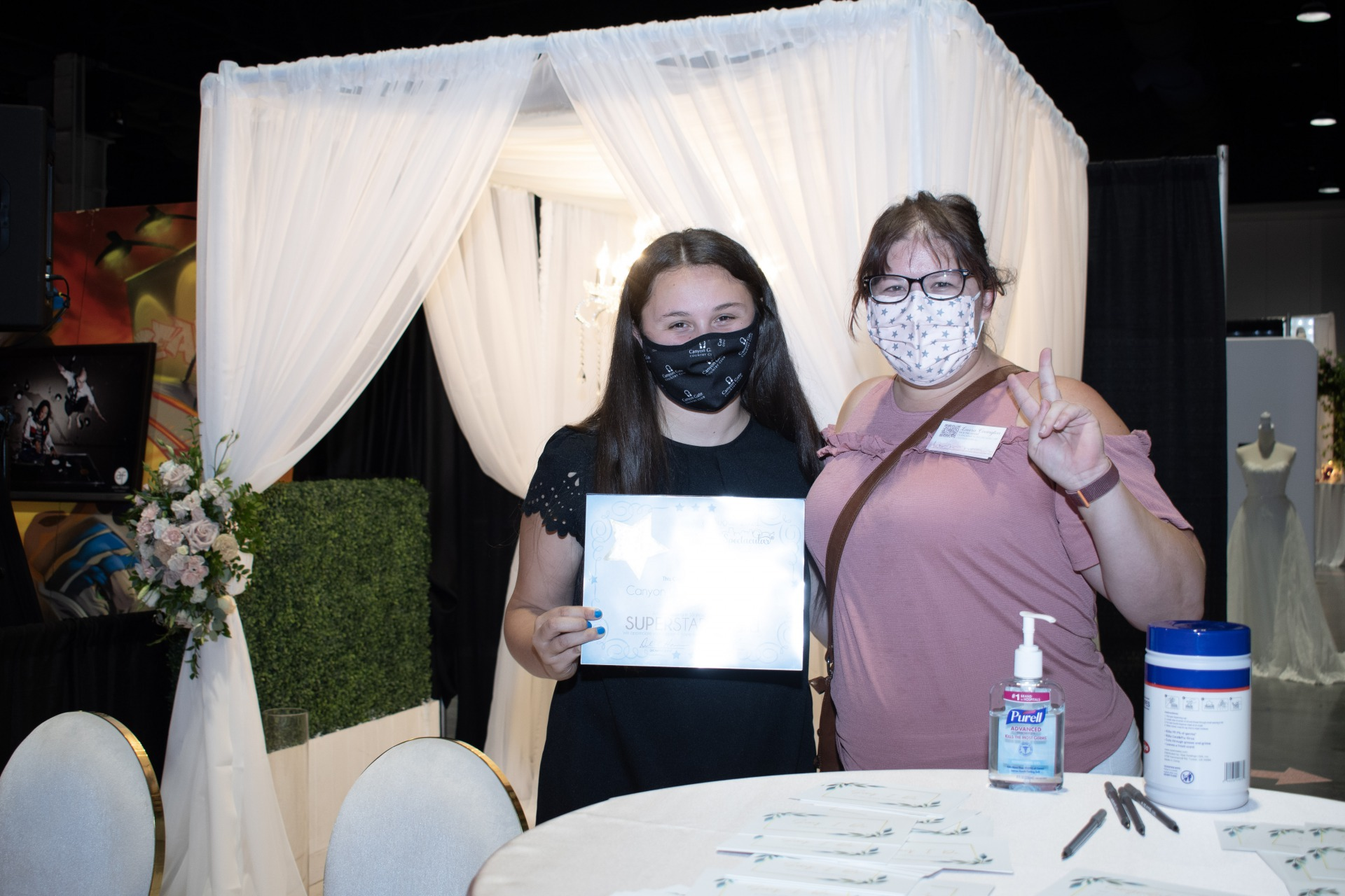 Canyon Gate Country Club, Las Vegas Wedding Professionals and venue receives Star Award at Bridal Spectacular