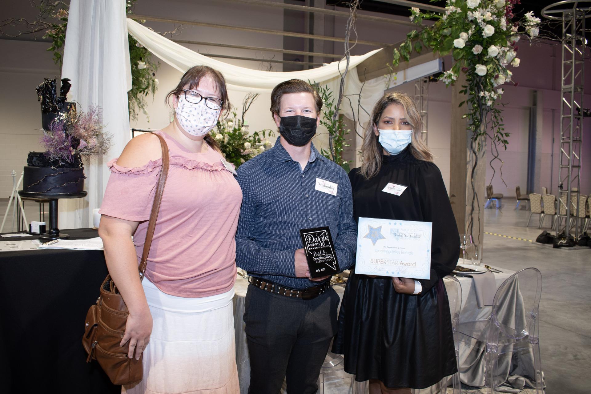 Bloomingbelles receives star award and dazzle award at Las Vegas Bridal Show Bridal Spectacular for Las Vegas Wedding Professionals