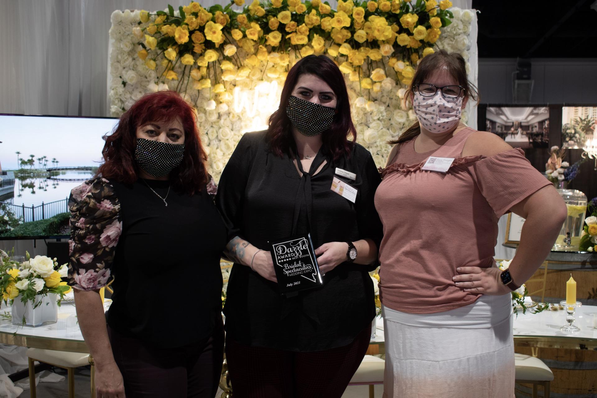 Westin Lake Las Vegas receives dazzle award at Las Vegas bridal show Bridal Spectacular