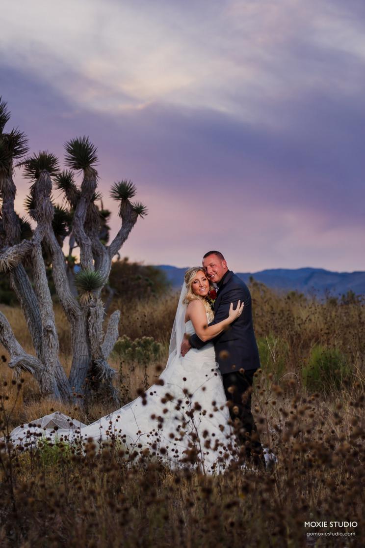 A burgundy wedding at Las Vegas Paiute
